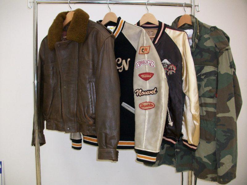フライトレザー・スタジャン・スカジャン・ミリタリーなどのジャケットを強化買取中です!