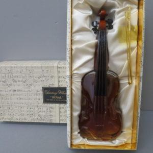 サントリーウイスキー ローヤル バイオリン型ボトル をお売りいただきました