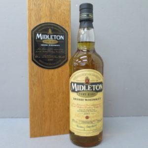 アイリッシュウイスキー ミドルトン ベリーレア 2007 をお売りいただきました