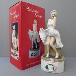 ★バーボン マリリンモンロー Fascinate Forever 七年目の浮気 陶器ボトル 750ml 43% 6/4★